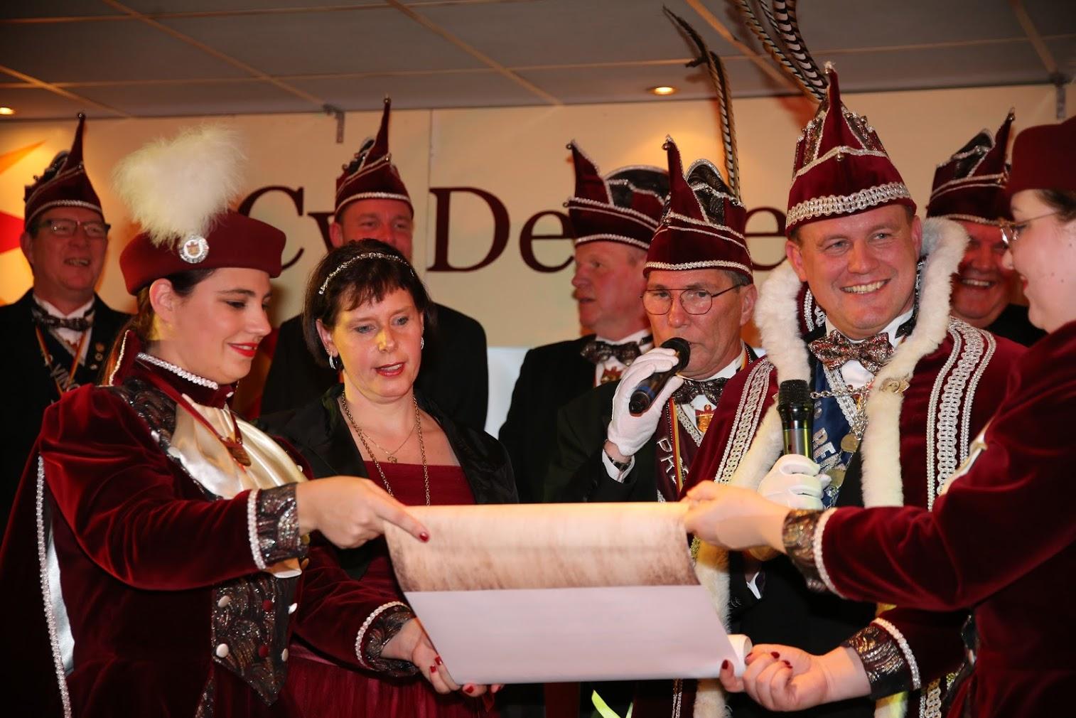 "Nieuw Prinsenpaar ""De Heiknüüters"", Prins Remco de 1e en Prinses Saskia"